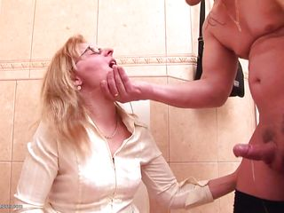 mature with glases can't handle the cock